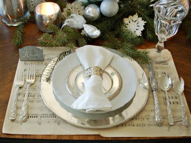 interior-dining-room-exciting-christmas-table-decorations-entertaining-ideas-party-themes-sparkling-pinecones-original-marian-parsons-white-silver-place-setting-with-white-fabric-placemats-also-cutle
